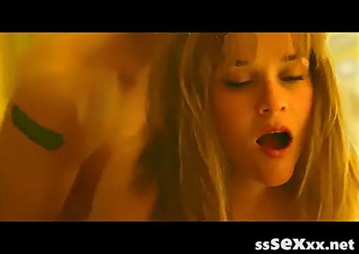 Эротические и жесткие сексуальные сцены с Риз Уизерспун