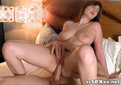 Красивый секс и оргазм чешской сисястой милашки