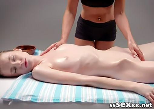Нежный массаж молодой худышки (00:27:56)